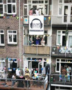 Silent Disco Logo Illustratie met buren